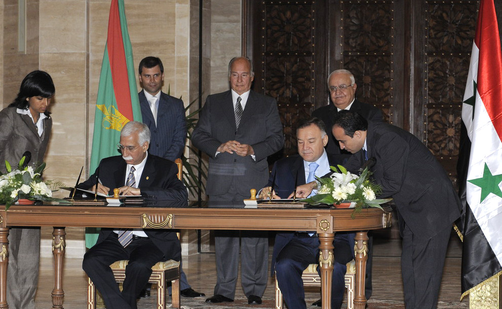 Aga Khan University Signs Agreement To Further Health And Education