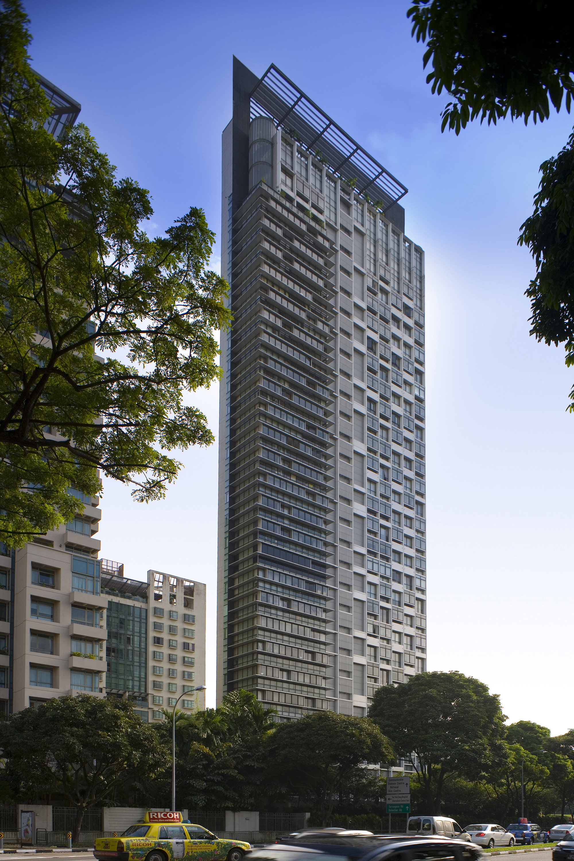 Moulmein rise residential building aga khan development for Residential pictures