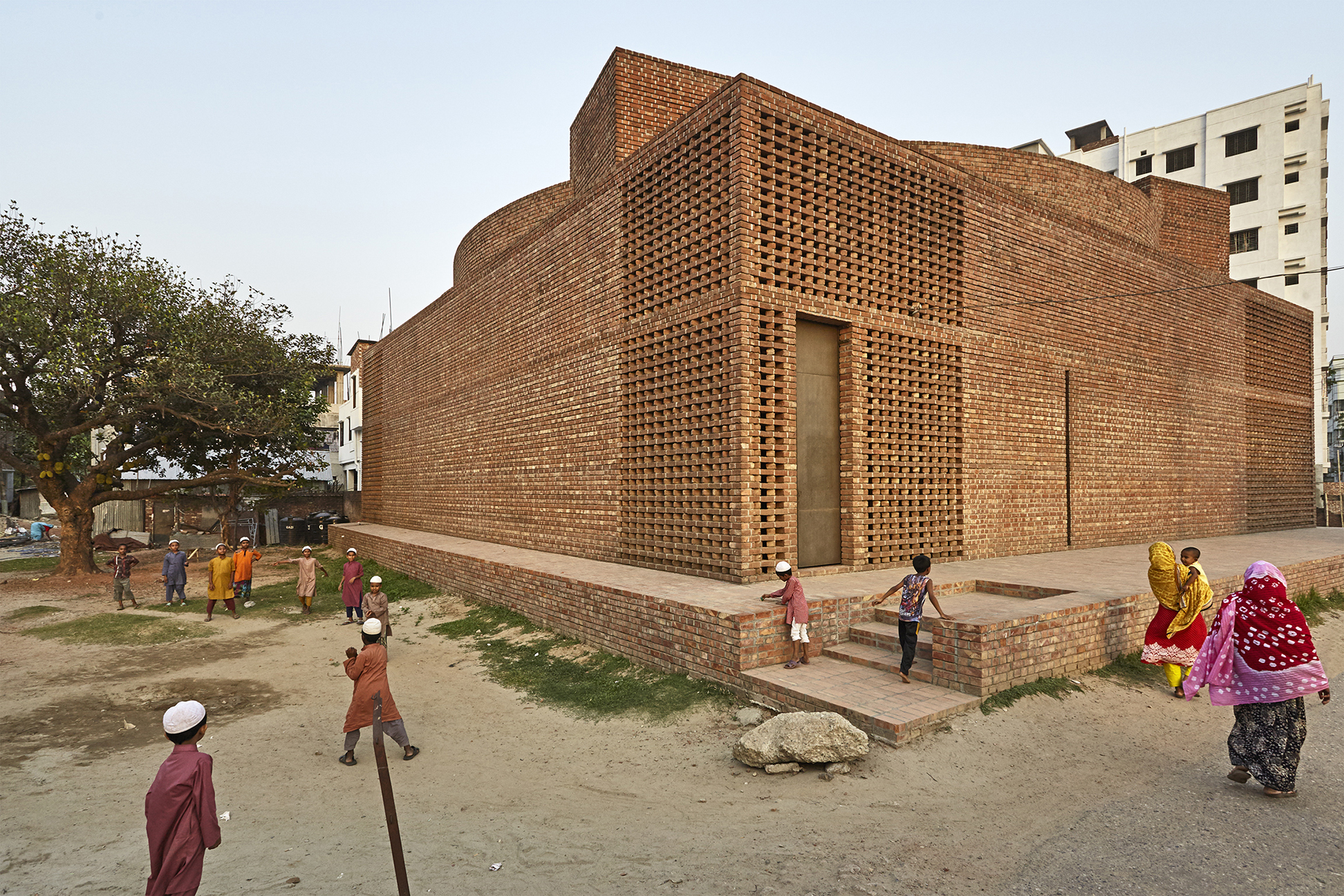 Bait ur rouf mosque aga khan development network for Bangladeshi building design