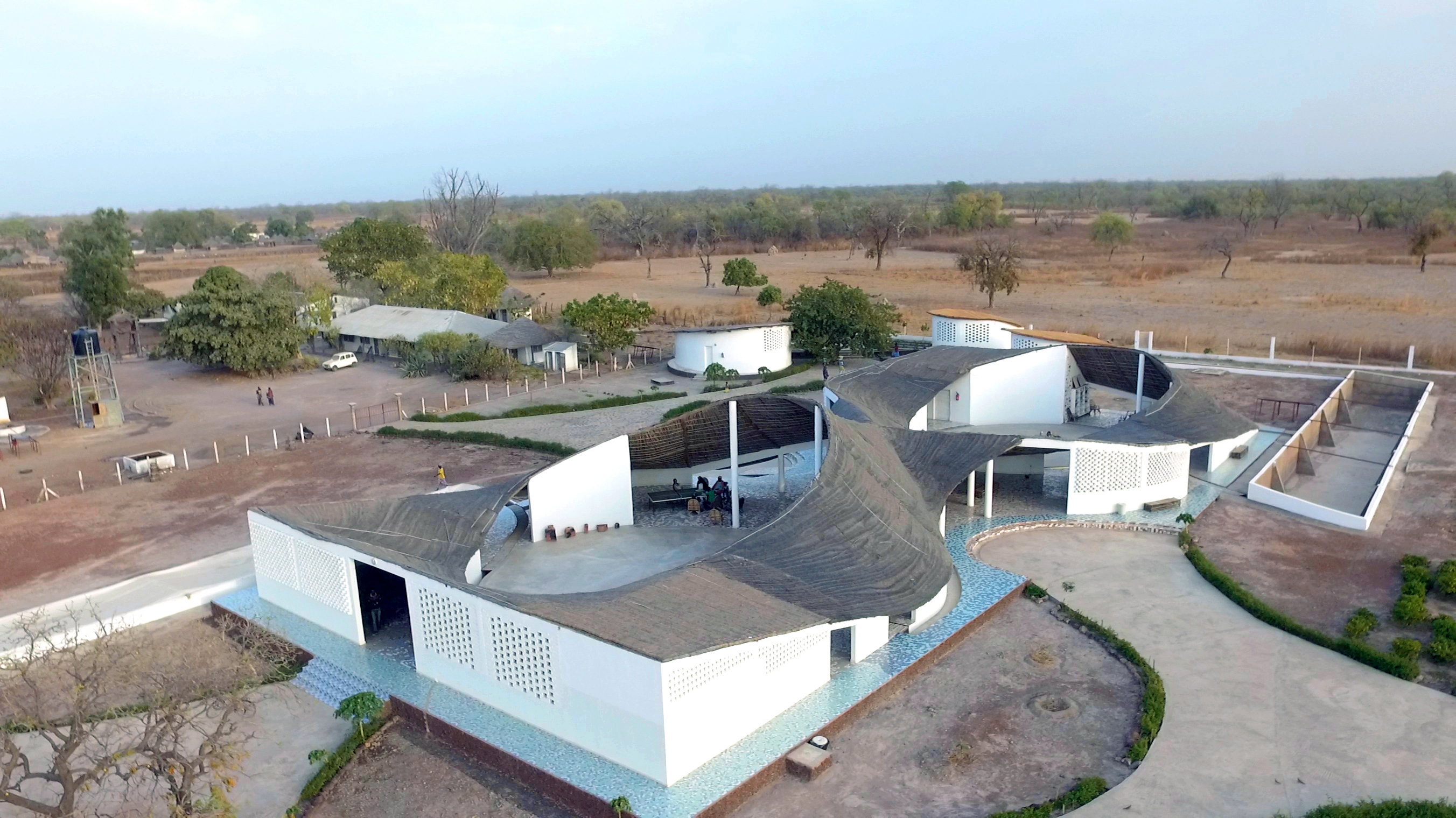 Thread artist residency and cultural centre aga khan for Architecture for architects